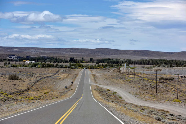 Wir kommen zum Ort Perito Moreno.