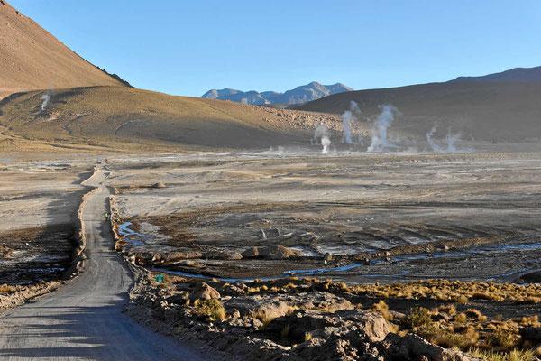 Man hätte hier auch übernachten können, aber 4320 m sind uns einfach zu hoch für eine angenehme Nacht.