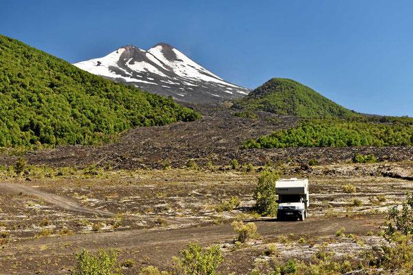 Unser Womo am Vulkan
