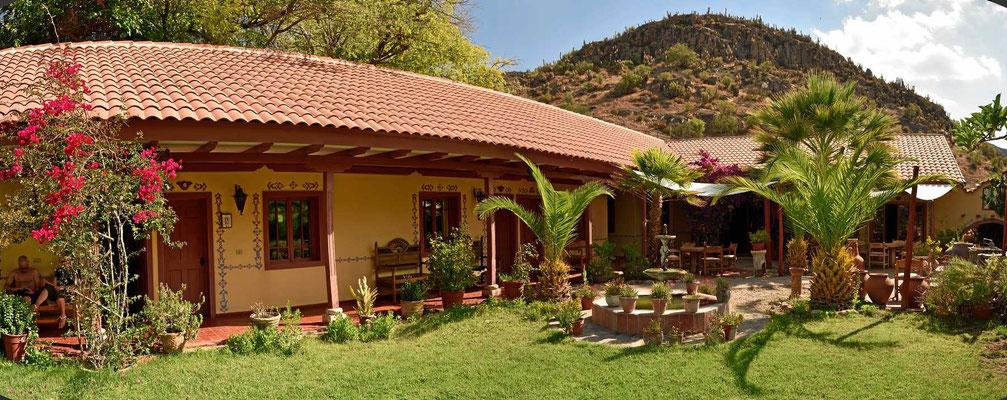 Die Hacienda Los Andes, ein Paradies für Reiter und Sternengucker, hier das Restaurant mitsamt Terrasse.