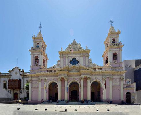 Die Kathedrale von Salta am Plaza 9 de Julio.