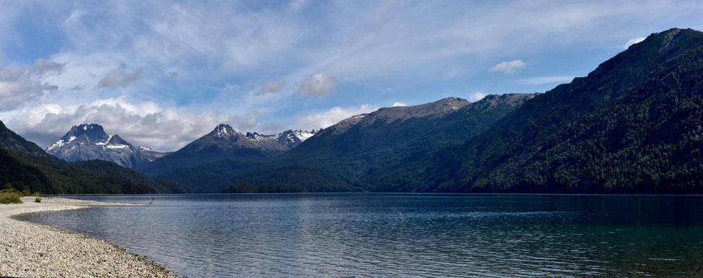 Nochmal der Lago Mascardi, einfach, weil er so schön da liegt.