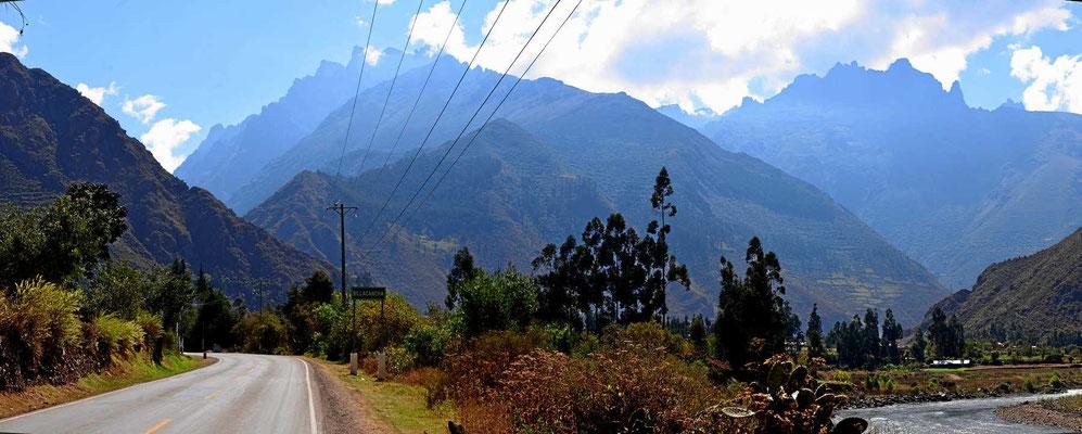 Durch das Tal des Urubamba Richtung Süden.