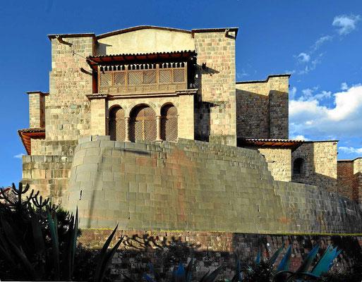 Ein Rest der Inca-Außenmauer des alten Sonnentempels.