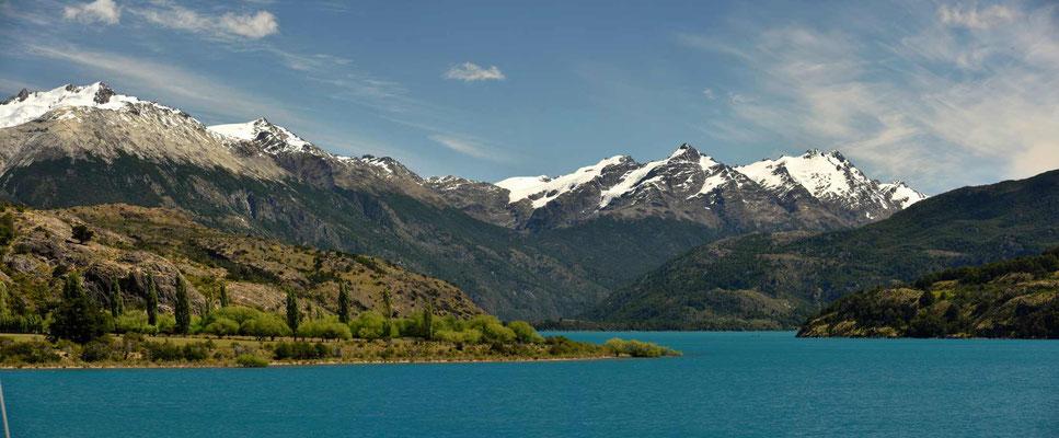 Rückblick auf den Lago General Carrera.