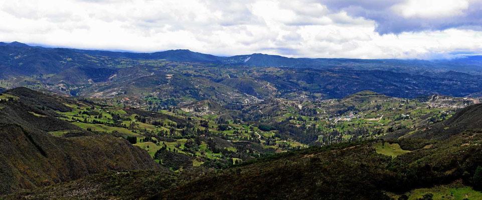 Es ist eine weite Landschaft, kaum besiedelt.