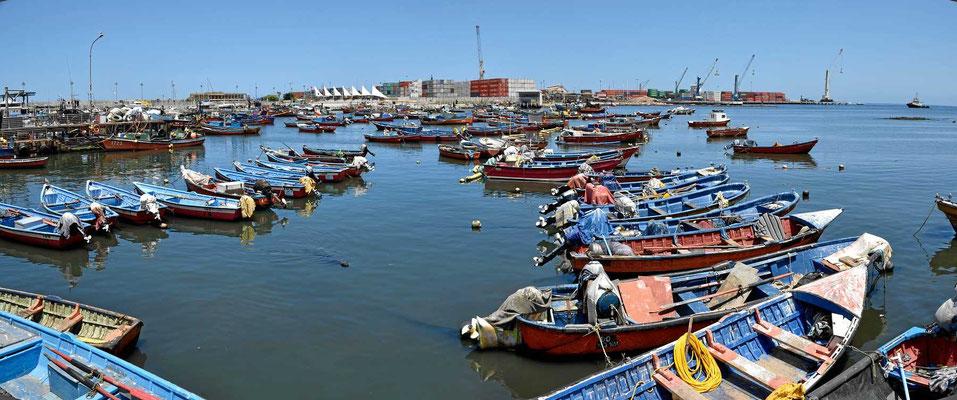 Der Hafen von Iquique.