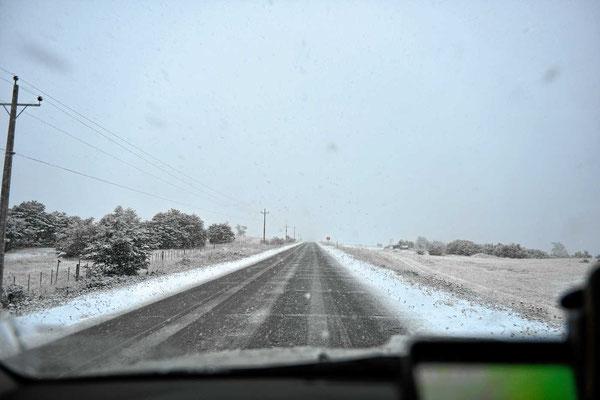 Unsere erste Schneefahrt auf der gesamten Tour.