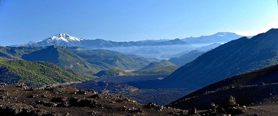 Blick über die Anden am frühen Morgen