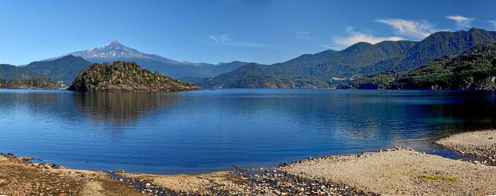 """Aber für das Auge ist der See in wirkliches """"Gedicht""""."""