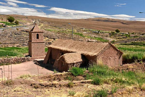 Auch der kleine Ort Socaire hat eine hübsche kleine Kirche.