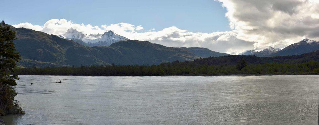 Gletscherfluss aus dem nördlichen Eisfeld.