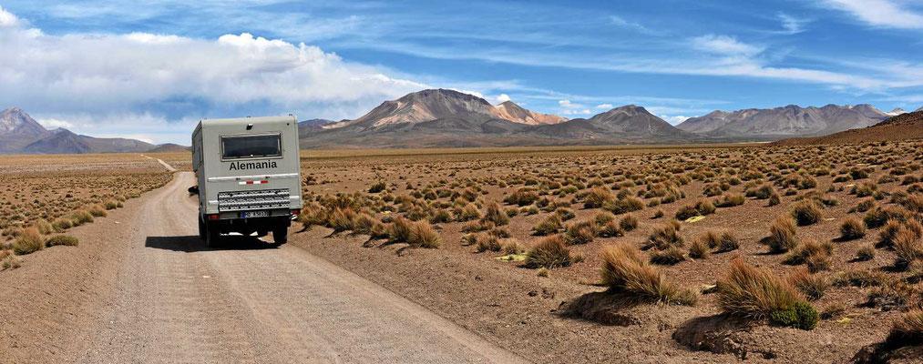 Fahrt entlang des Salzsees.