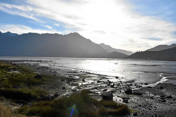 Fjordblick in der Abendsonne.