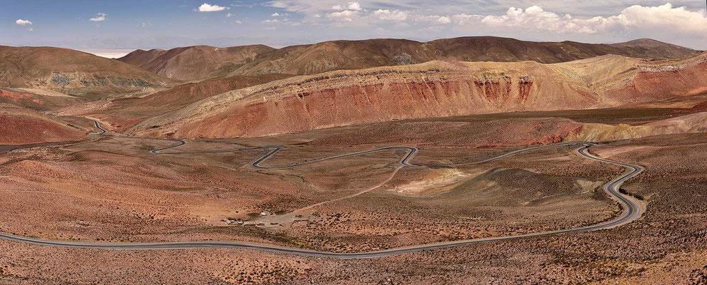 Und dann geht es wiede runter Richtung der Salinas Grande del Noroeste.