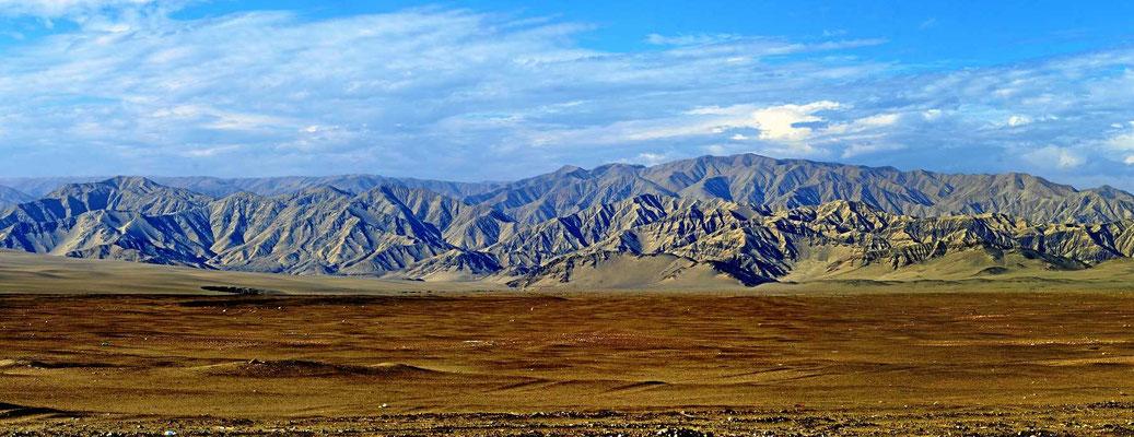 Hinter Ica wird die Wüstenlandschaft wunderschön.