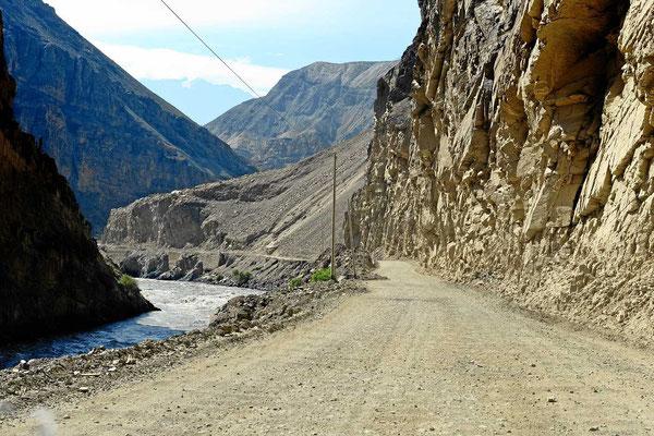 Fahrt entlang des Rio Santo.