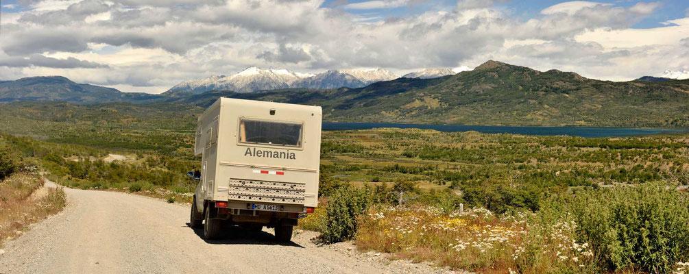 Fahrt auf der Carretera Austral gen Süden, eine fast unbesiedelte Landschaft.