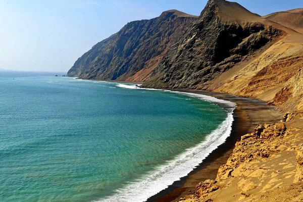 Und ist wieder an schönen Steilküsten.