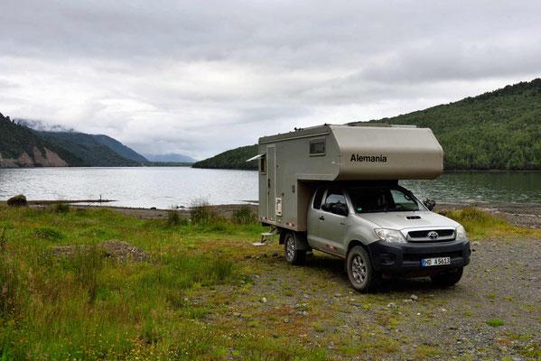 Mein Stellplatz am Fjord von Puyuhuapi.