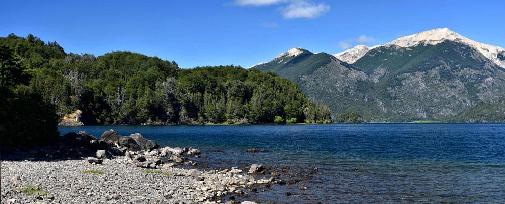 Die Seen des Nationalparks Los Alerces.