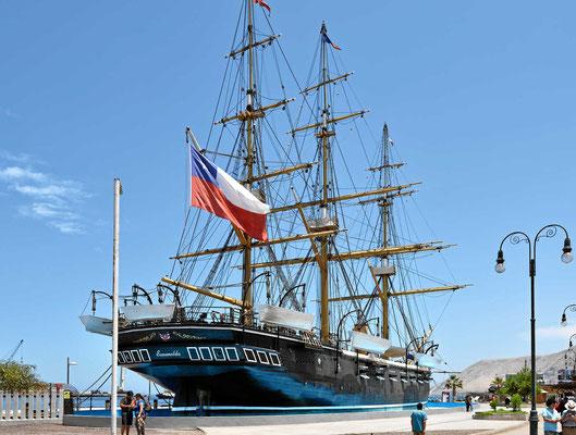 Der Nachbau der Esmeralda. Das Schiff hat im Salpeterkrieg im 19. Jhrdrt eine wichtige Rolle gespielt.