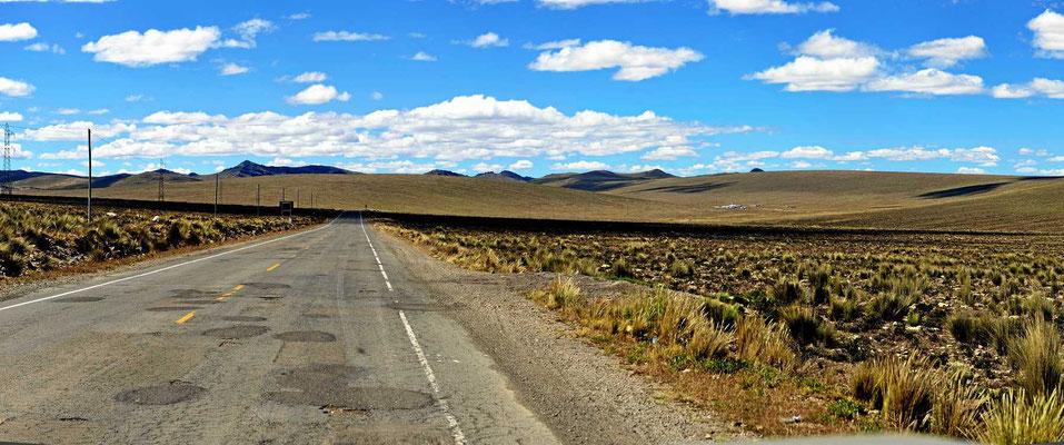 Die Puna-Hochfläche hinter Nazca.
