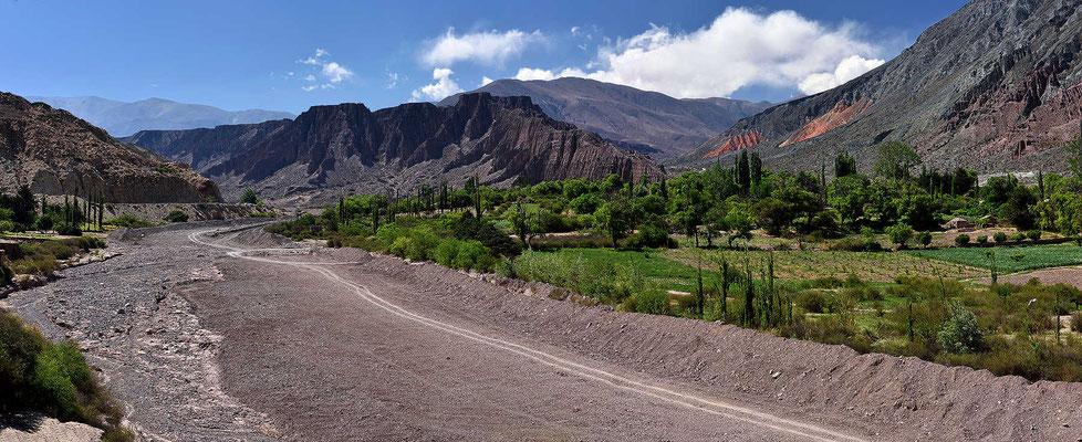 Rückweg nach Pumamarca und dann weiter das Tal des Rio Pumamarca in Richtung Anden.