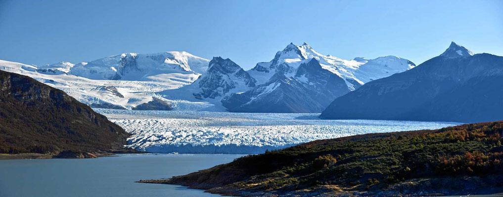 Wir nähern und dem Perito Moreno Gletscher.