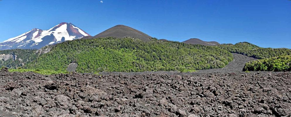 Der Vulkan Llaima und die Riesen-Lavafelder.