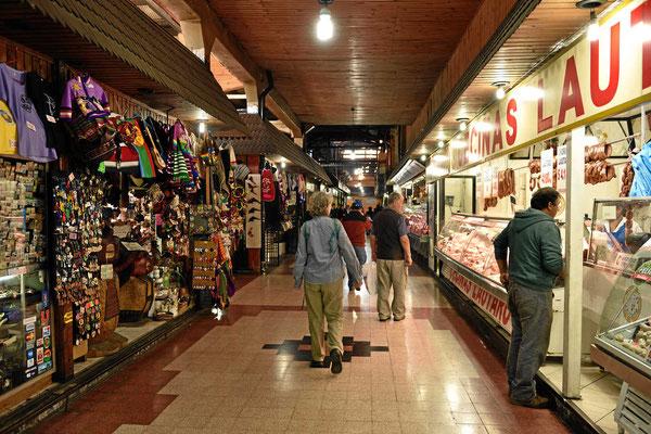 In der Markthalle von Temuco.
