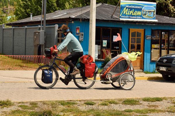 Fahrradtour auf der Carretera Austral mit Kind.