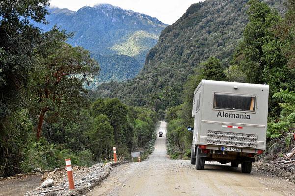 Fahrt durch den Nationalpark Quelat.
