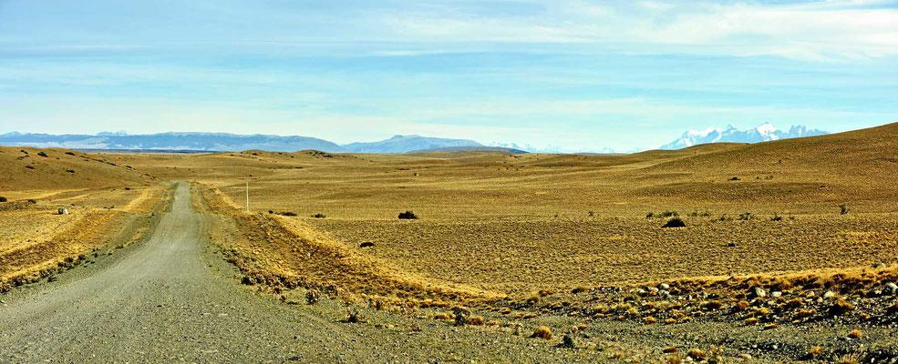 Pampalandschaft auf dem Weg zum Torrres del Paine
