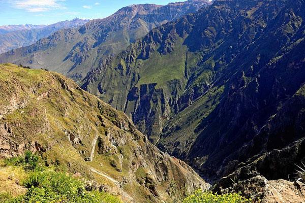 Der Colca-Canyon Richtung Westen.