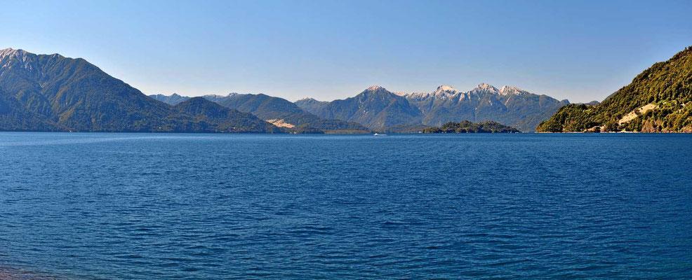 Und nach vorne hin der See.