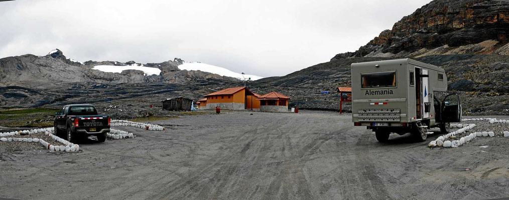 Der Parkplatz am Gletscher. Früher reichte der Gletscher bis hierhin, jetzt muss man einiges laufen.