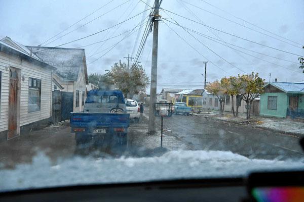 Der erste Schnee an der Propangasfüllstation
