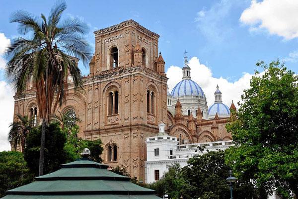 Die neue Kathedrale von Cuenca, vom Bus aus ist sie viel besser zu sehen als von den engen Straßen aus.