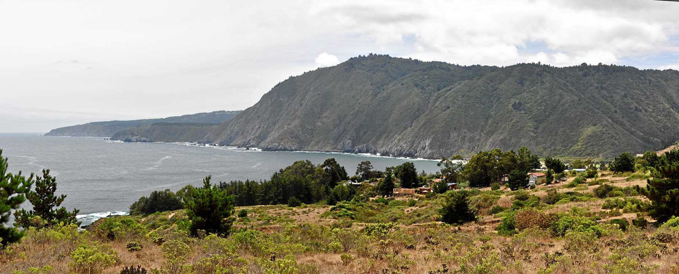 Eigentlich eine wunderschöne Küste, aber da anscheinend jeder Chilene zwischen Weihnachten und Ende Februar an Meer fährt, sind alle Zugangsmöglichkeiten proppenvoll.