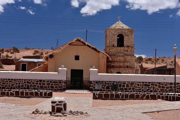 Mit einer hübschen Kirche.