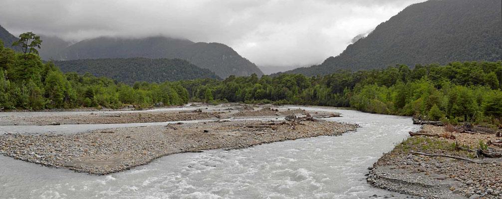 Durch den Nationalpark Quelat.