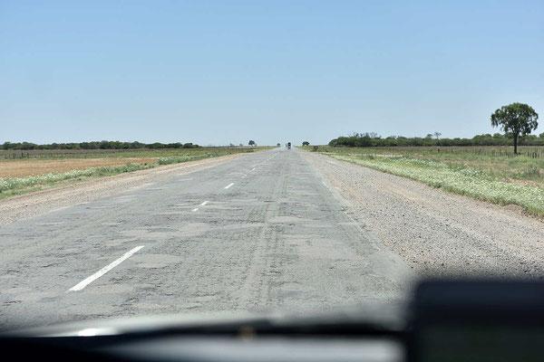 Die Straßen sind oft auch so, schnell fahren nicht möglich.