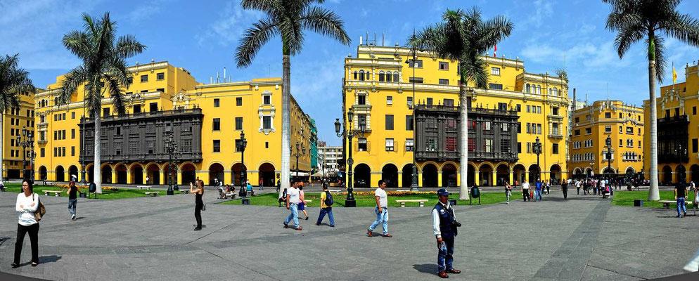 Der Plaza Mayor, der zentrale Platz der Altstadt von Lima