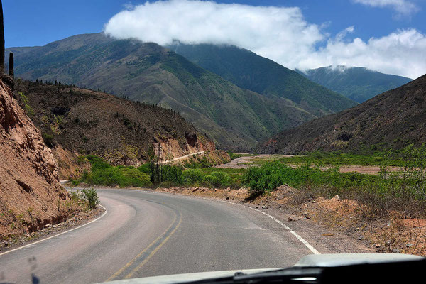 Es geht den Rio Chicoana entlang.