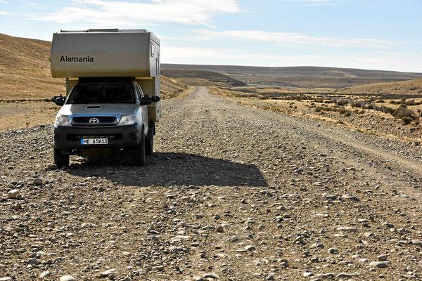 Wir fahren 70 km Gravel zur Abkürzung, eine der schlimmsten Straße bisher.