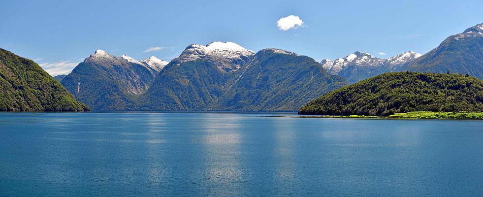 """Der Lago Yelcho, ein wirklicher """"Traumsee""""."""