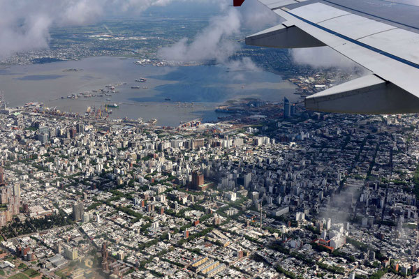 Anflug auf Montevideo.