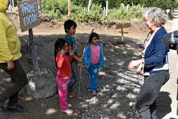 Maputekinder am Wegesrand.