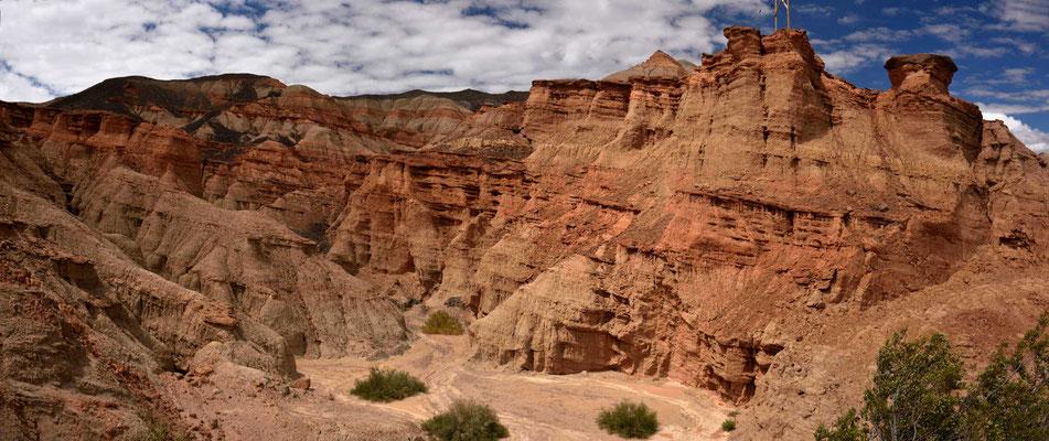 Faszinierende polychrome Landschaft.